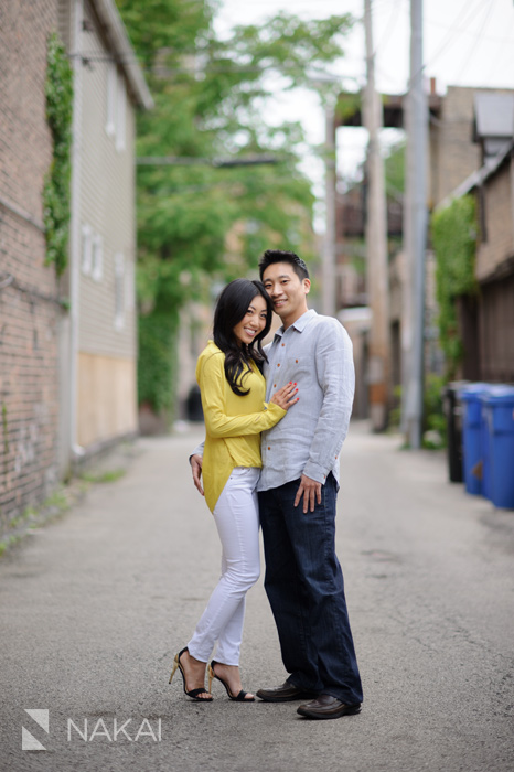 chicago alley engagement picture