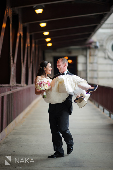chicago bridge wedding picture