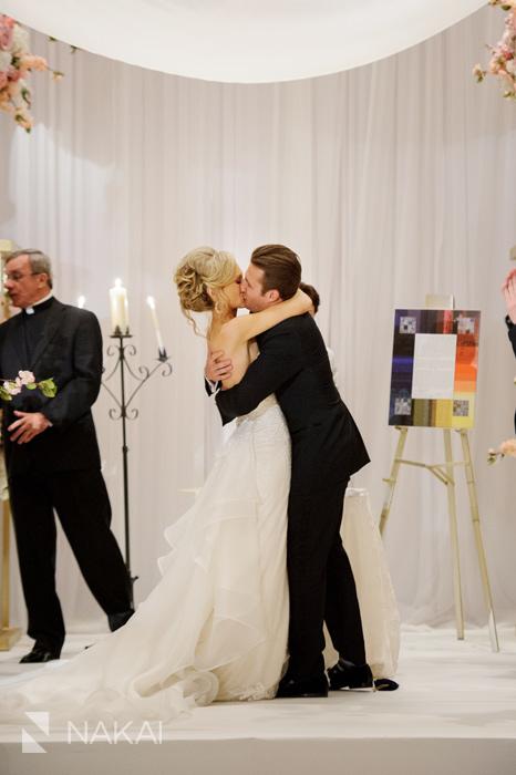 drake-luxury-chicago-wedding-photographer-nakai-photography-061