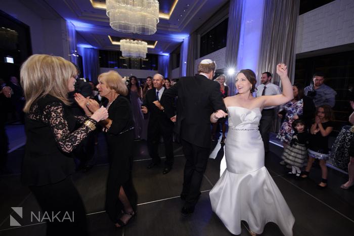 wedding-photographer-langham-chicago-nakai-photography-052