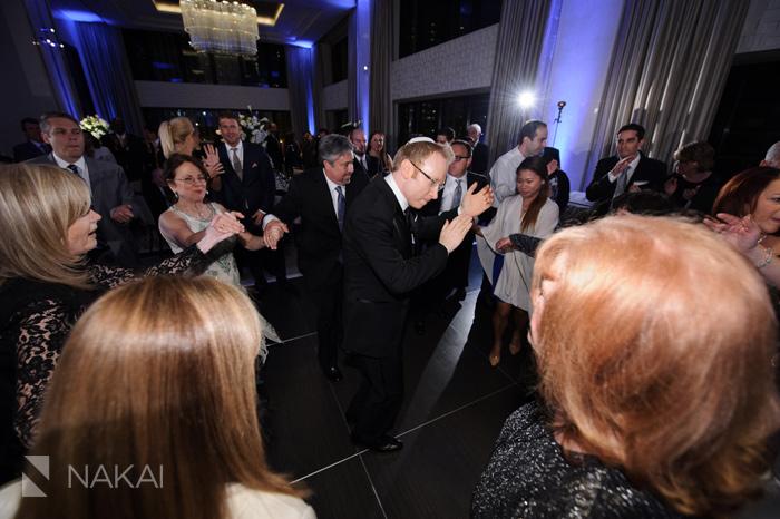 wedding-photographer-langham-chicago-nakai-photography-054
