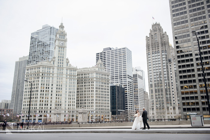 chicago wedding photo wrigley building