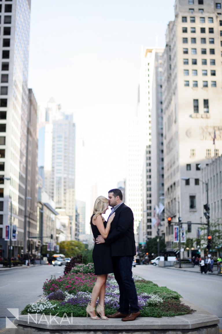 michigan avenue top chicago engagement picture location