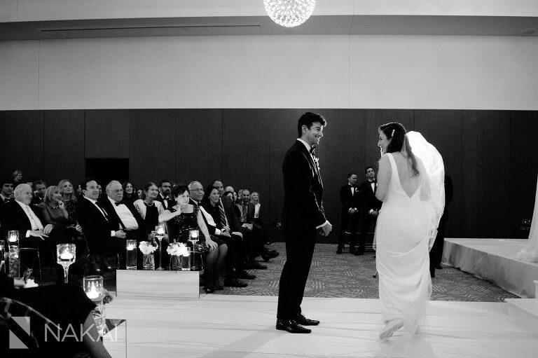 radisson-blu-wedding-photographer-chicago-aqua-nakai-photography-036
