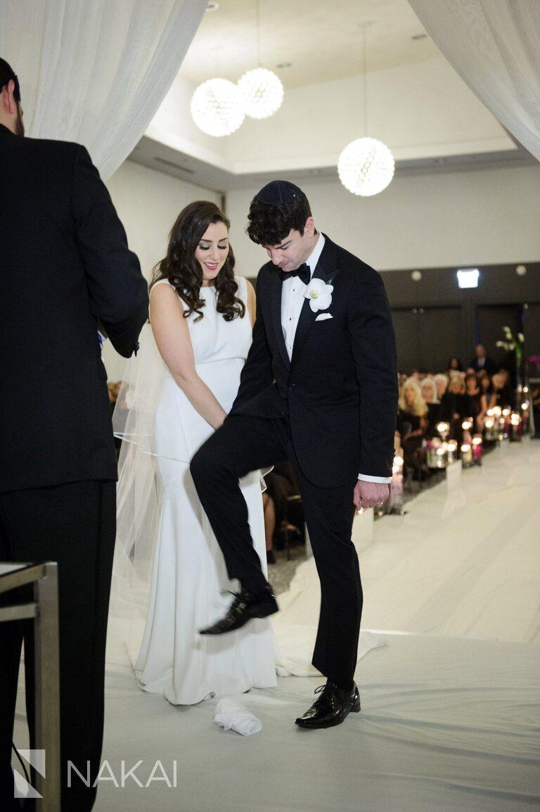 radisson-blu-wedding-pictures-chicago-aqua-nakai-photography-040