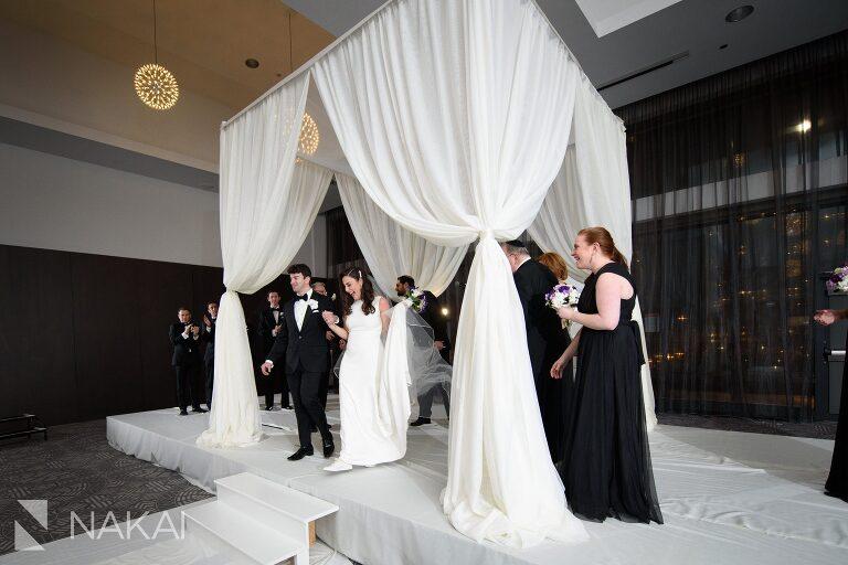 radisson-blu-wedding-pictures-chicago-aqua-nakai-photography-041