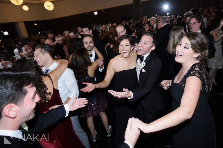 wedding-reception-radisson-blu-photographer-chicago-aqua-nakai-photography-053