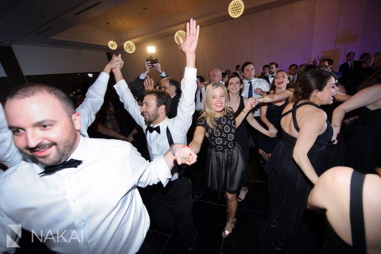 wedding-reception-radisson-blu-photographer-chicago-aqua-nakai-photography-054