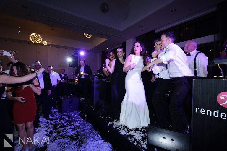 chicago radisson blu wedding picture reception dancing