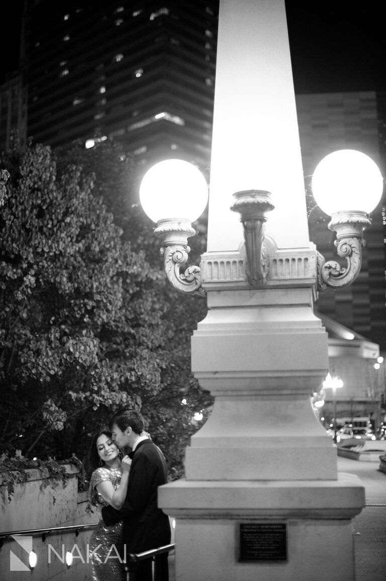 riverwalk engagement picture chicago night time