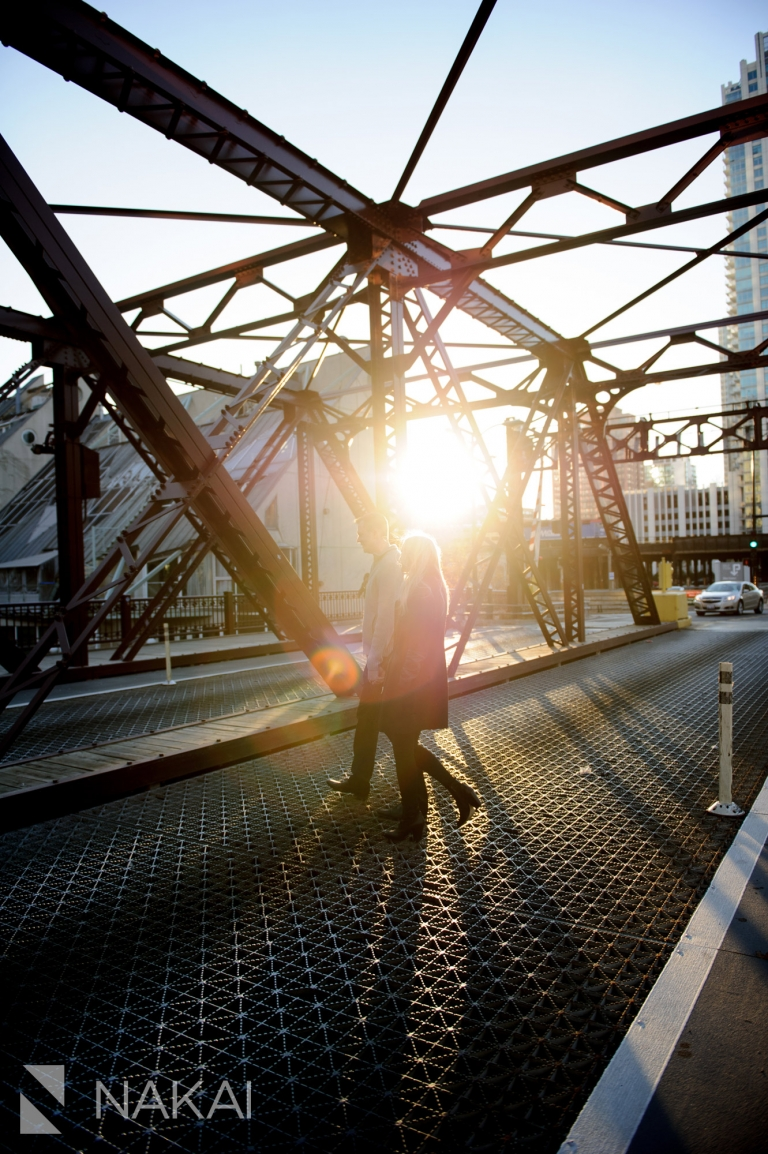 kinzie street bridge engagement photographer chicago