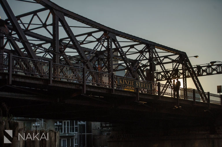 kinzie st bridge engagement photo chicago
