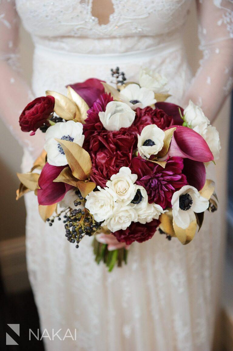 chicago waldorf wedding pictures vale of enna bouquet