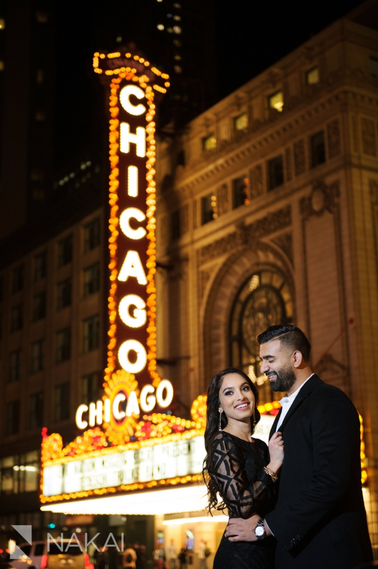 best chicago engagement locations night time pictures