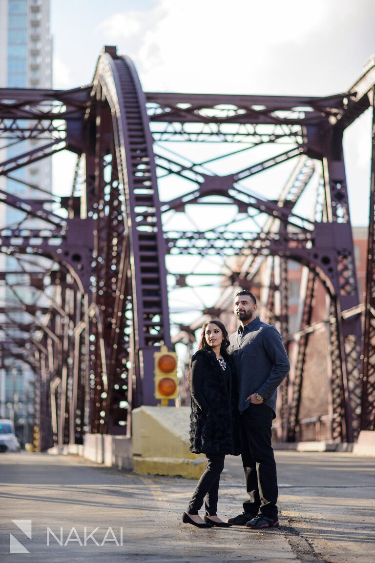 best chicago engagement locations picture kinzie bridge