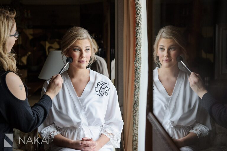 drake chicago wedding bride getting ready pictures