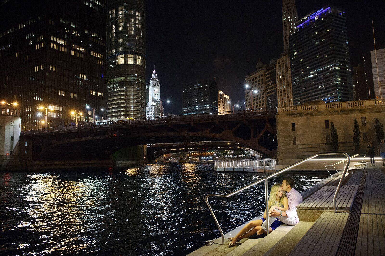 chicago riverwalk engagement photo night best spot location