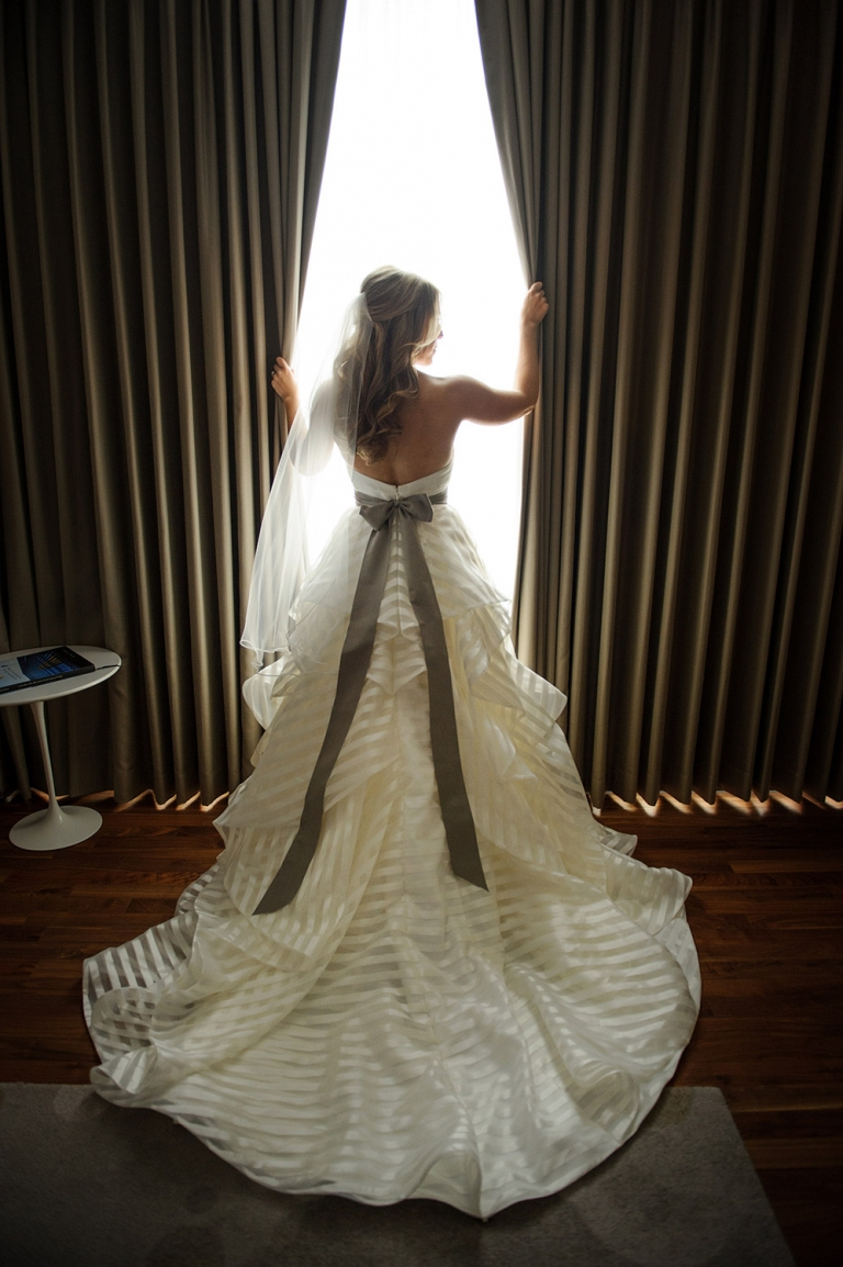 top chicago wedding pictures bride langham