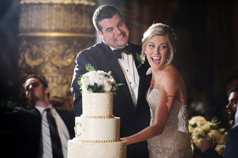 wedding photojournalistic chicago photographer drake hotel