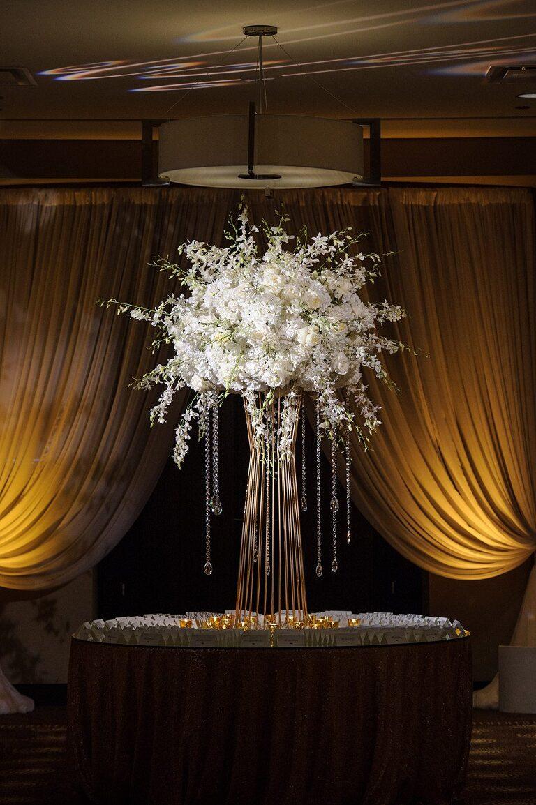chicago luxury wedding photographer details trump hotel