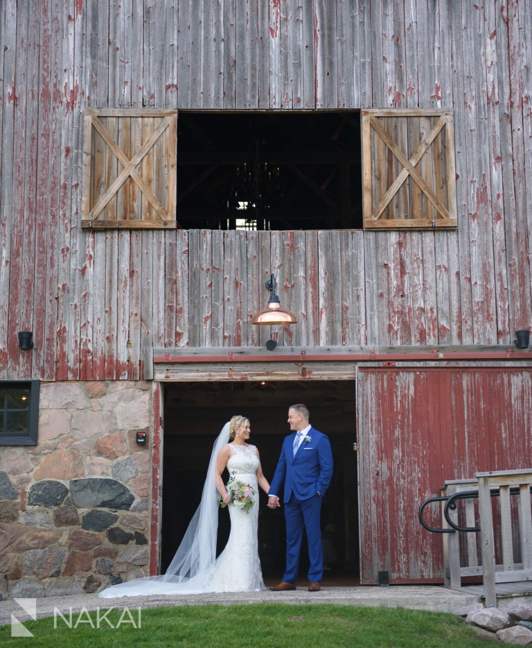 dover farm barn wedding photos Wisconsin picture