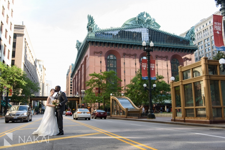 Harold Washington library wedding photo state street