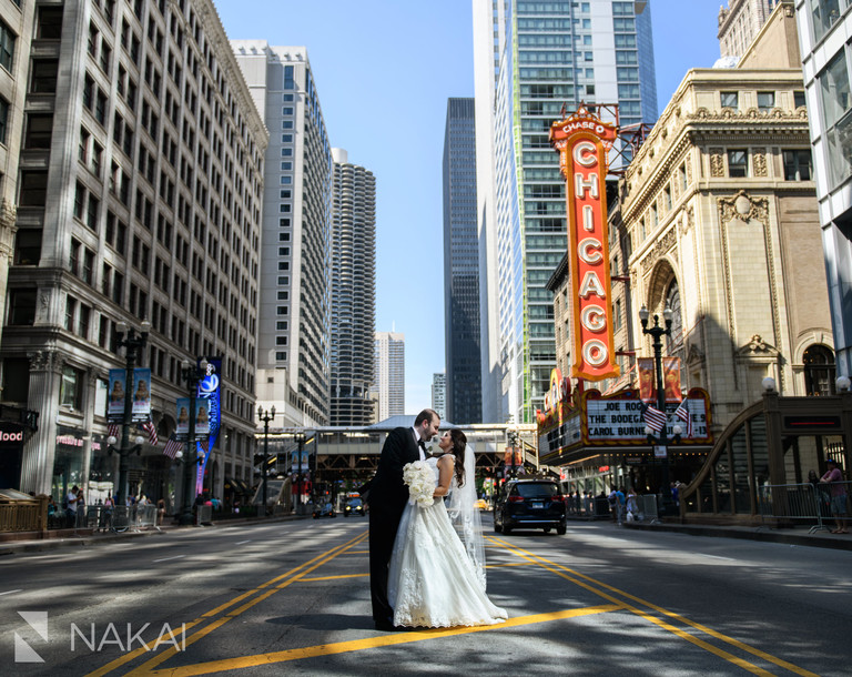 chicago wedding photo locations state street chicago theatre sign marquee
