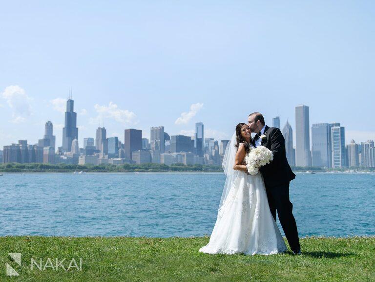 chicago wedding photo locations Adler planetarium skyline