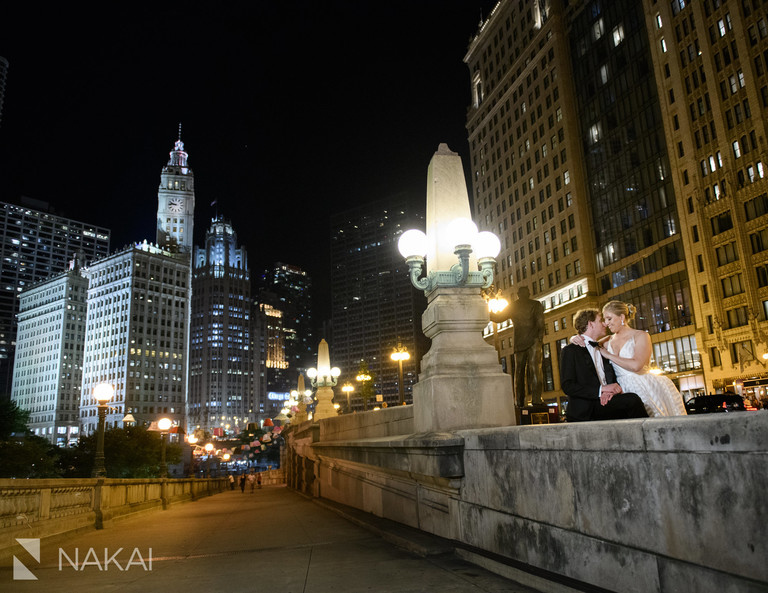 best Chicago wedding photographers at night riverwalk