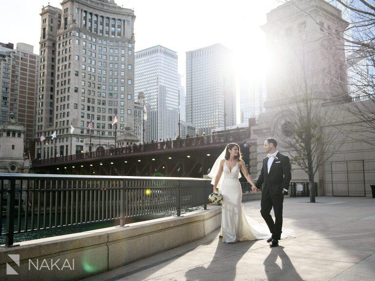 Michigan avenue wedding pictures bride groom