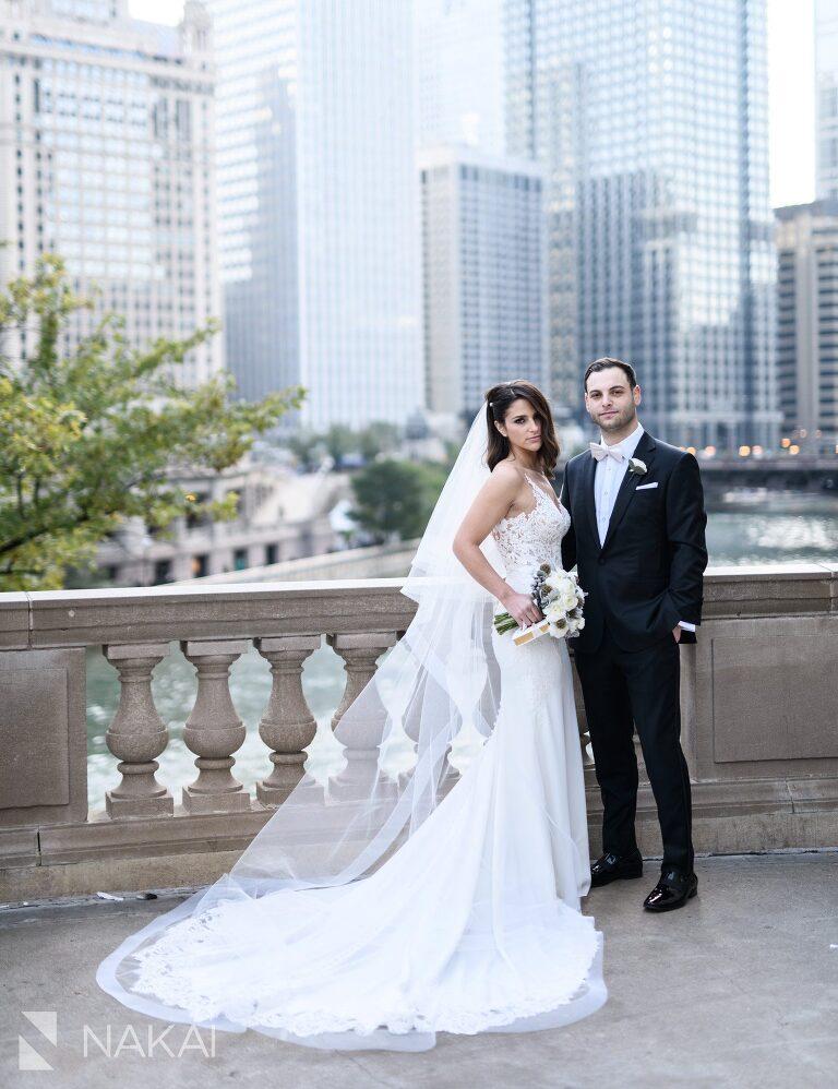 Michigan avenue wedding photos bride groom Wrigley building