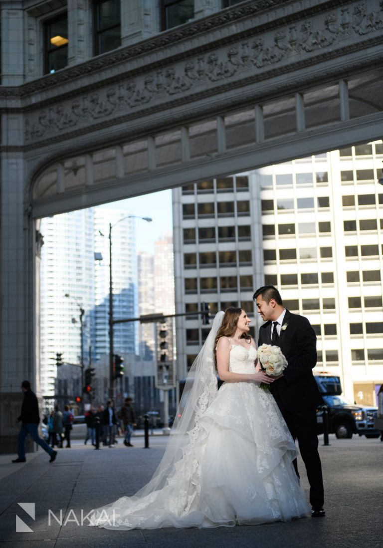 best Chicago wedding photos Wrigley building
