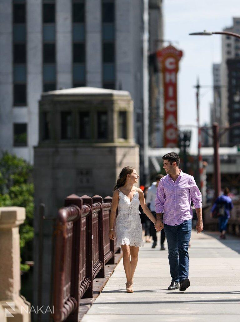 riverwalk chicago best engagement pictures walking