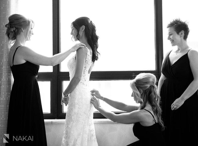 Chicago ritz Carlton wedding picture bride getting ready