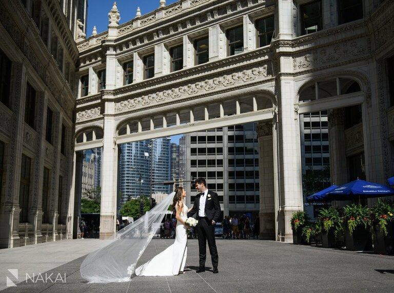 best Wrigley chicago wedding photo bride groom