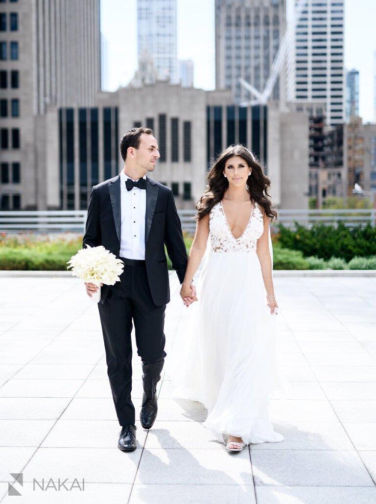 loews chicago hotel wedding photo bride groom downtown luxury rooftop