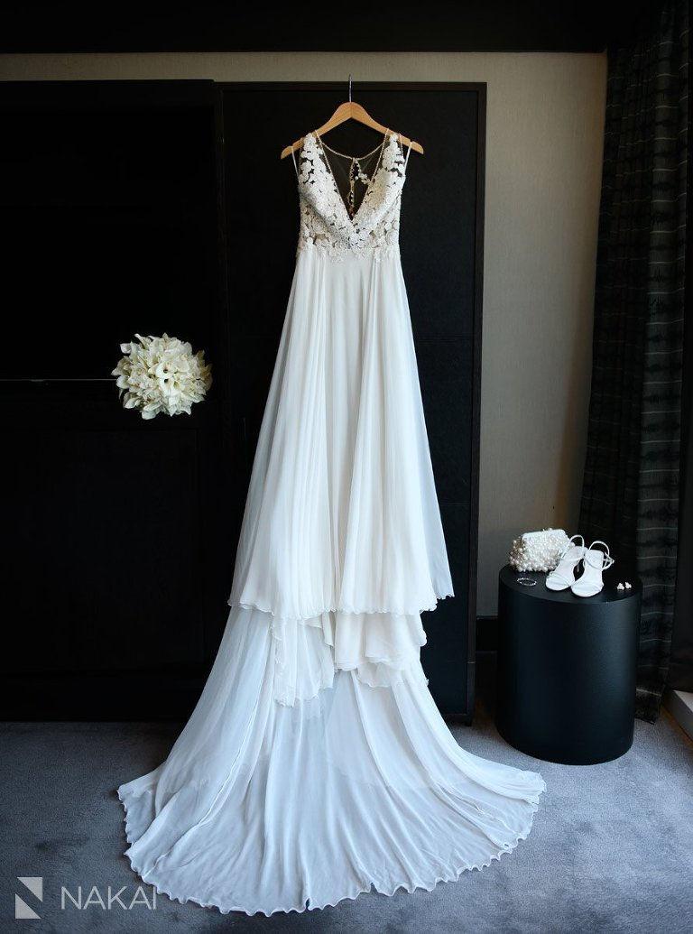 best loews chicago wedding photographer details dress