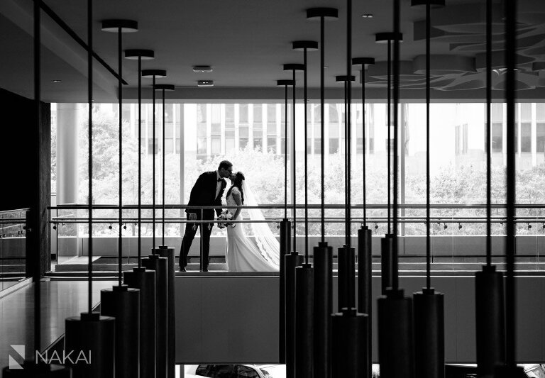 chicago loews downtown wedding photos bride groom