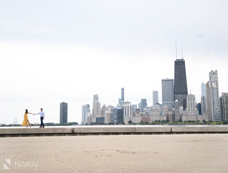 best chicago engagement photos skyline north ave beach