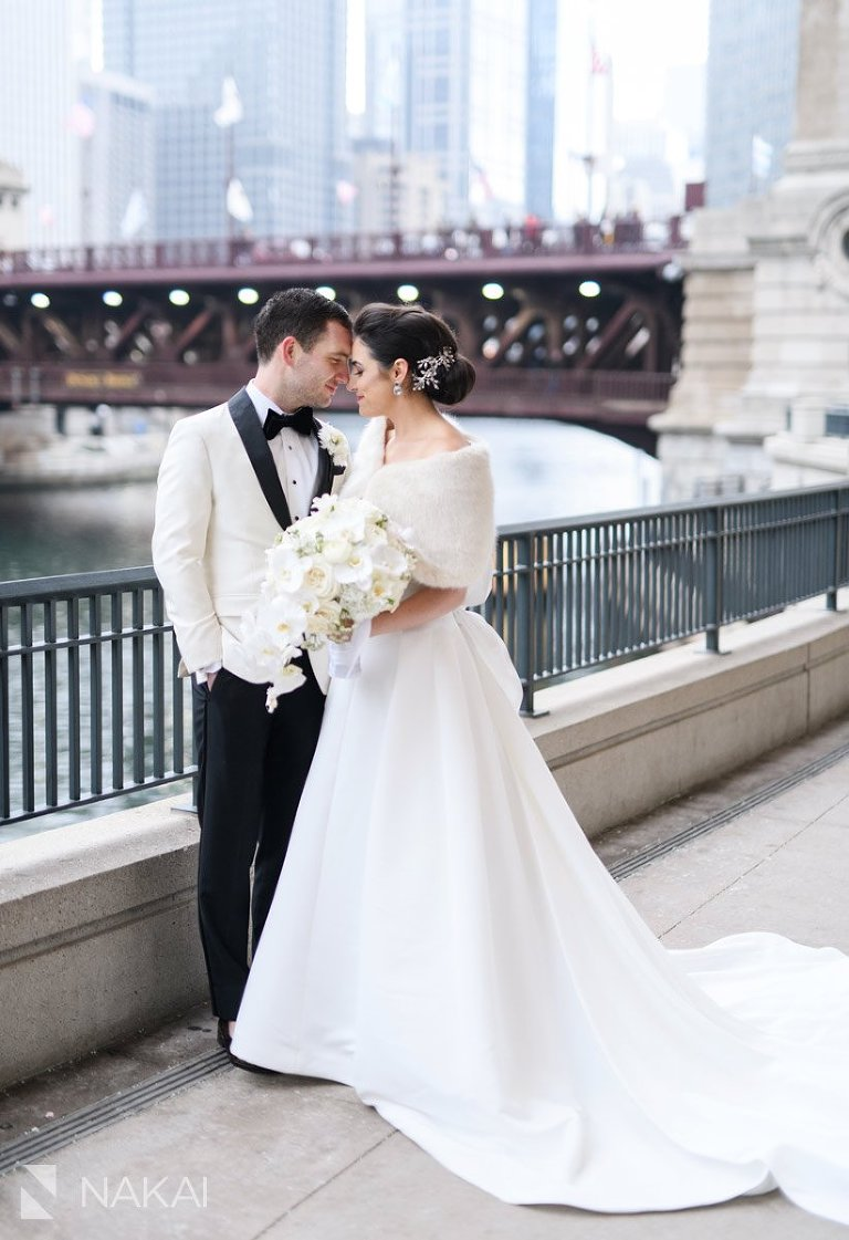 Chicago winter wedding photos bride groom riverwalk