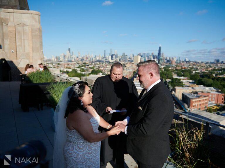 chicago intimate wedding photographer robey hotel