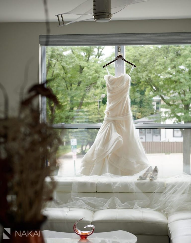 microwedding getting ready photos details