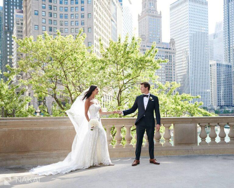 best chicago wedding photographer Wrigley building