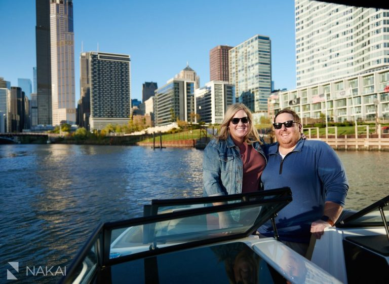 chicago engagement pictures on a boat river boating
