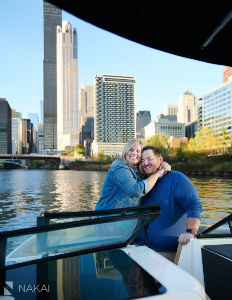 chicago boating engagement pictures river