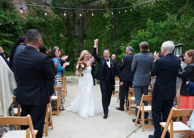 chicago post covid wedding photos City Winery