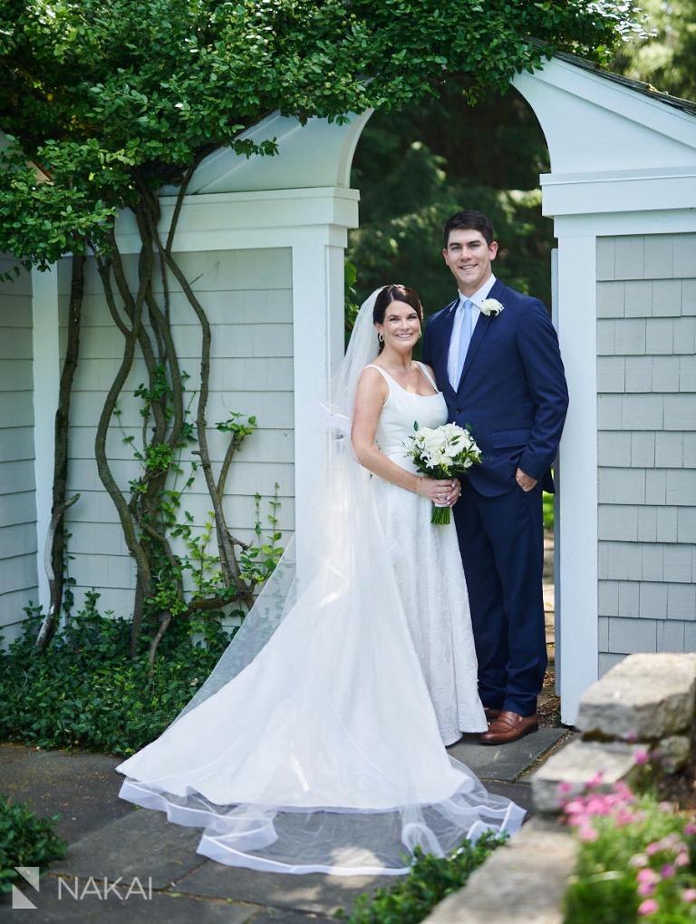 Chicago northshore backyard wedding photo bride groom