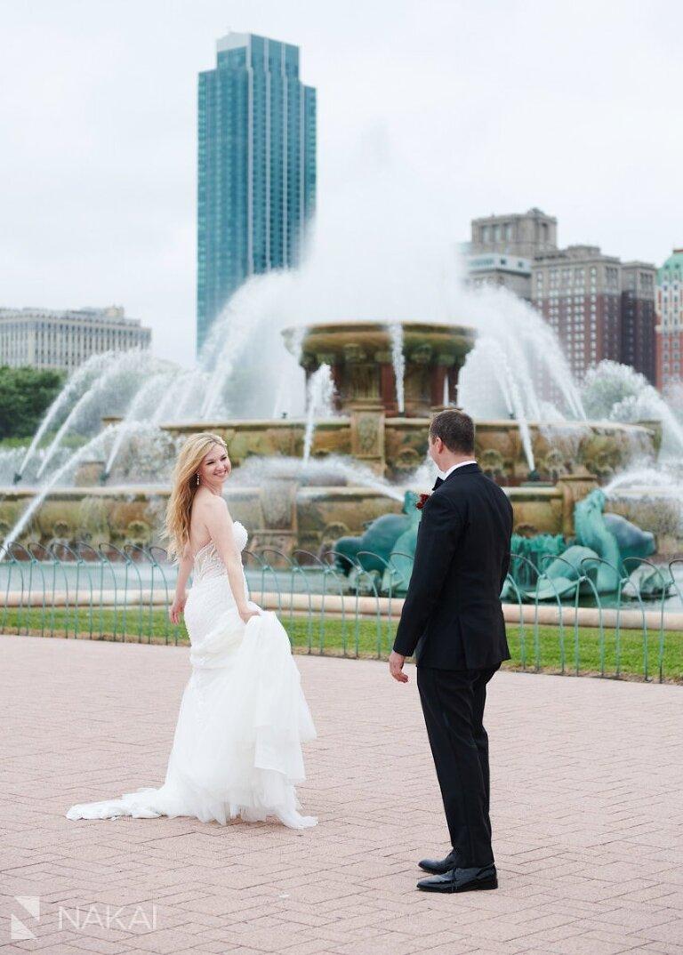 Buckingham fountain wedding photographer chicago bride and groom