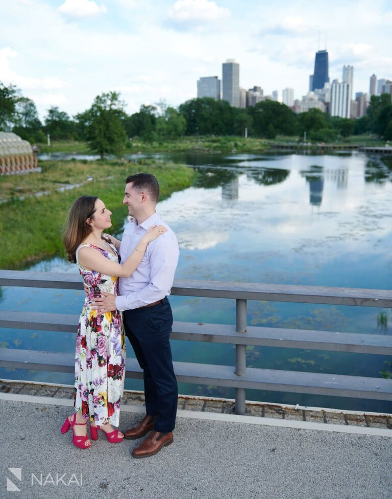 chicago Lincoln Park engagement pictures bridge