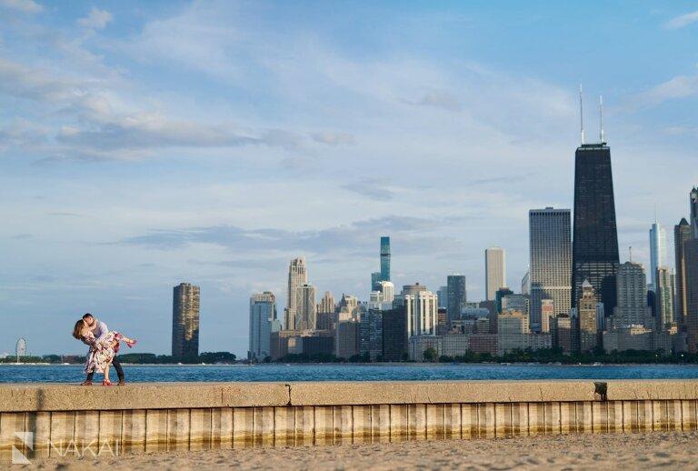 chicago north avenue beach engagement photos skyline